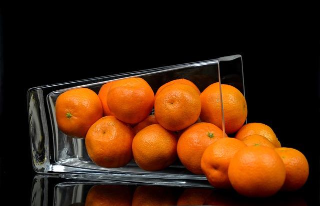 váza, pomeranče